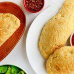 روش تهیه کالزونه مرغ پنیری